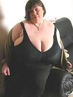 large hot sexy big breasted milk cans